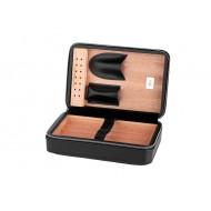 Utazó humidor  - cédrusfa szivartartó doboz, fekete bőr borítású