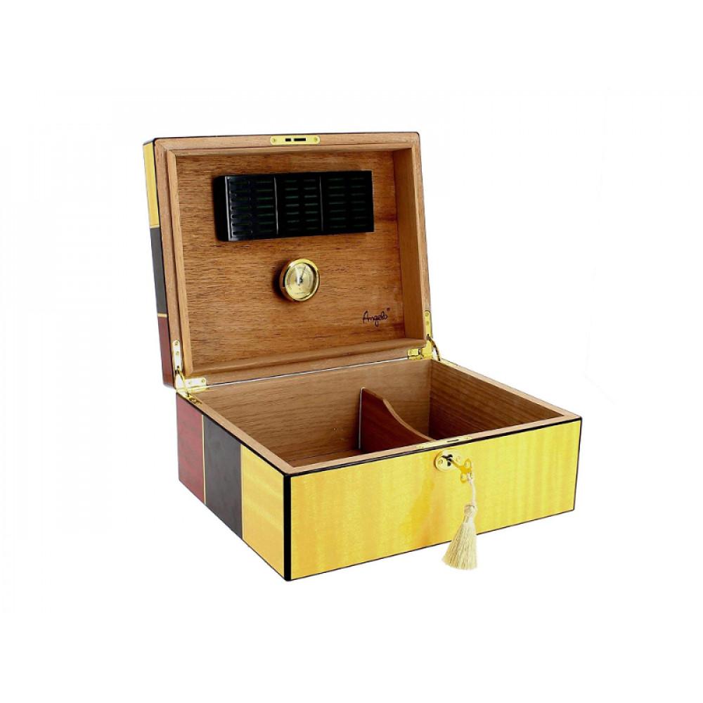 Humidor 50 szál szivar részére, Cigarman mintás, lakkozott szivartartó doboz, kulccsal zárható, párásító és belső hygrometer - Angelo