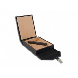 Humidor Bőr utazó - cédrusfa szivartartó doboz, párásítóval, fekete bőr borítású - pántos