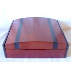 Humidor 50 szivar részére, fekete szegélyes, diófa mintás szivar tároló doboz, párásítóval és belső hygrométerrel