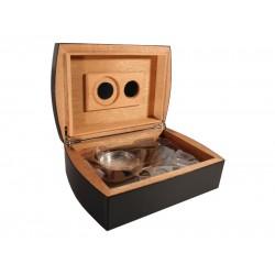 Humidor 30 szivar részére, carbon-bevonatos szivar tároló doboz, belső hygrométerrel, párásítóval + AJÁNDÉK szett!