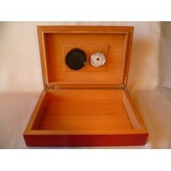 Humidor 40 szál szivar részére, világosbarna, cédrusfa szivar doboz, beépített párásító és hygrometer