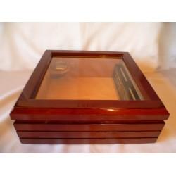 Humidor 50 szivar részére, üveg tetős szivar tároló doboz, cédrusfa belsővel, párásítóval és hygrométerrel